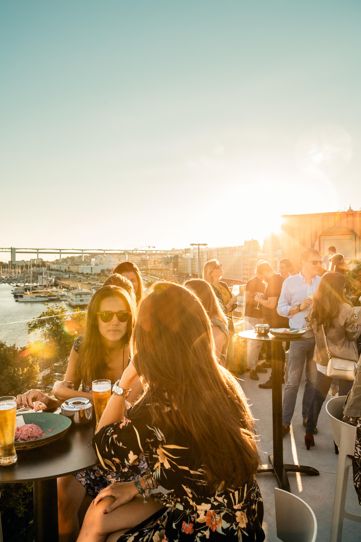 Os melhores sítios para beber um copo ao fim do dia em Lisboa