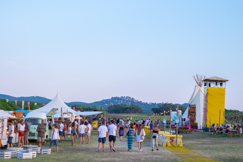 Refréscate en el festival White Summer