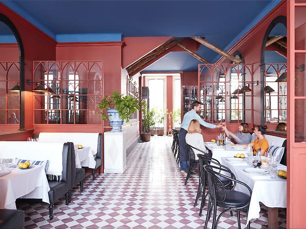 Na carta deste restaurante encontra propostas de várias regiões gaulesas para provar