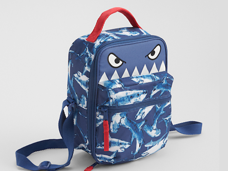 Ages 3–5: Shark lunch box