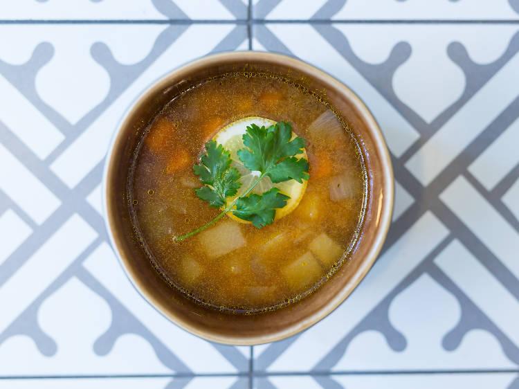 Três sítios para comer sopa de miso no Porto