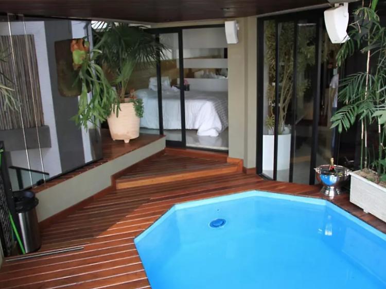 A contemporary apartment in Morumbi
