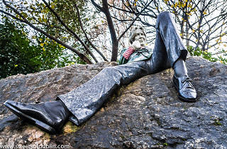 Oscar Wilde Memorial Sculpture