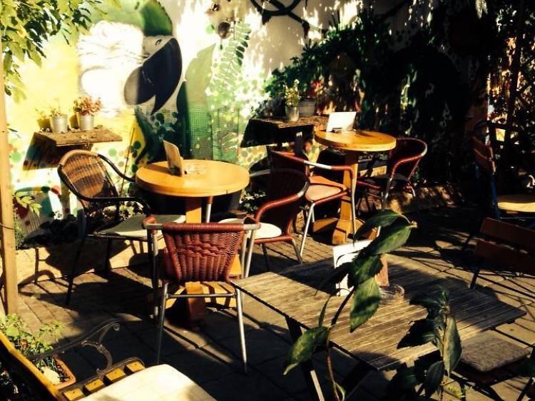 Cafe u Dvorištu
