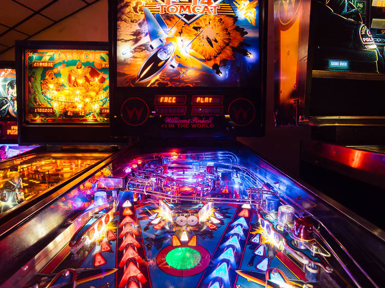 Bar arcades