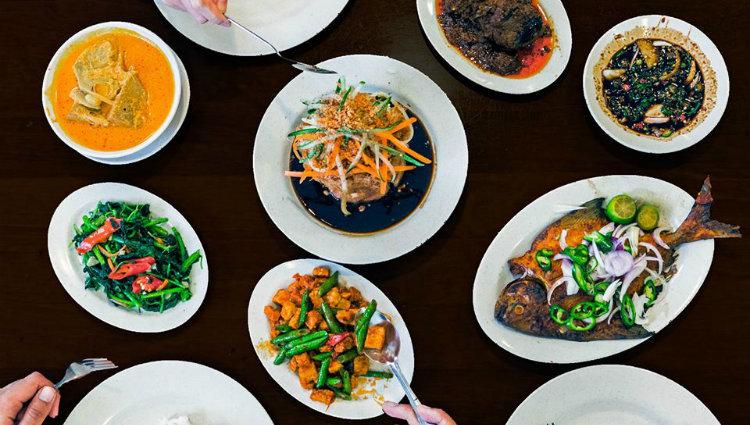 Hjh Maimunah, communal dining, nasi padang
