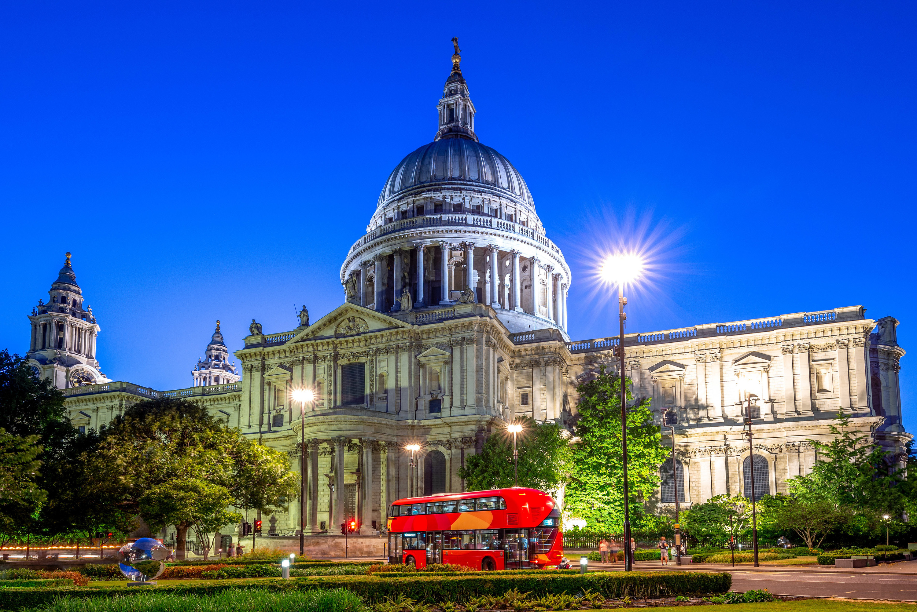 11 ace things to do in London with your out-of-town mates