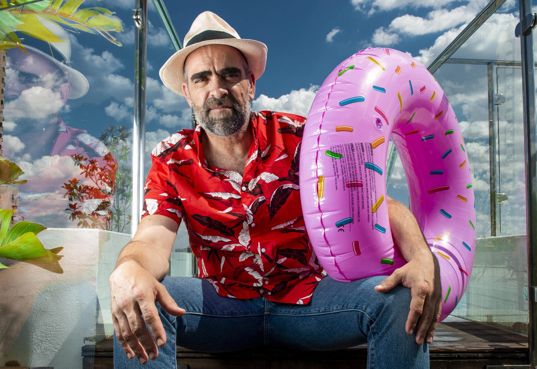 Luis Tosar se monta en un crucero