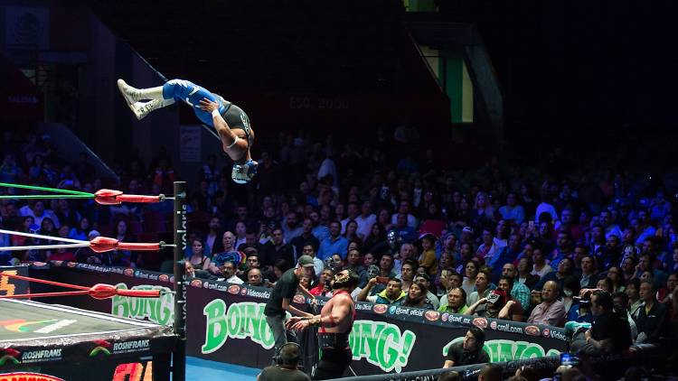 Lucha libre en la Arena México de la CDMX