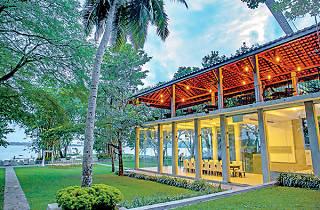 Thotupola Lakeside Resort