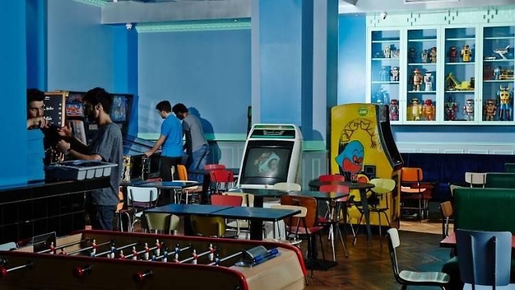 Les 17 meilleurs bars à jeux de Paris