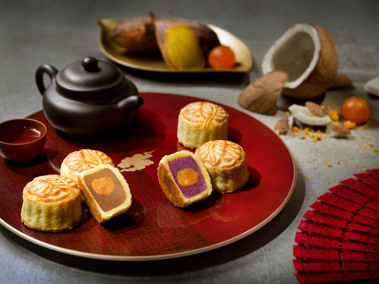 金葉庭:椰香紫山藥及碳烤金薯月餅
