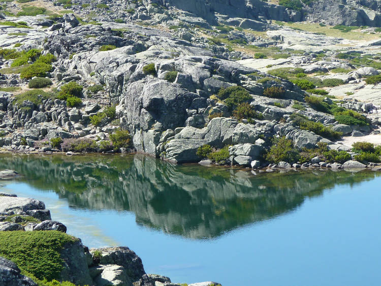Climb to the highest point in continental Portugal