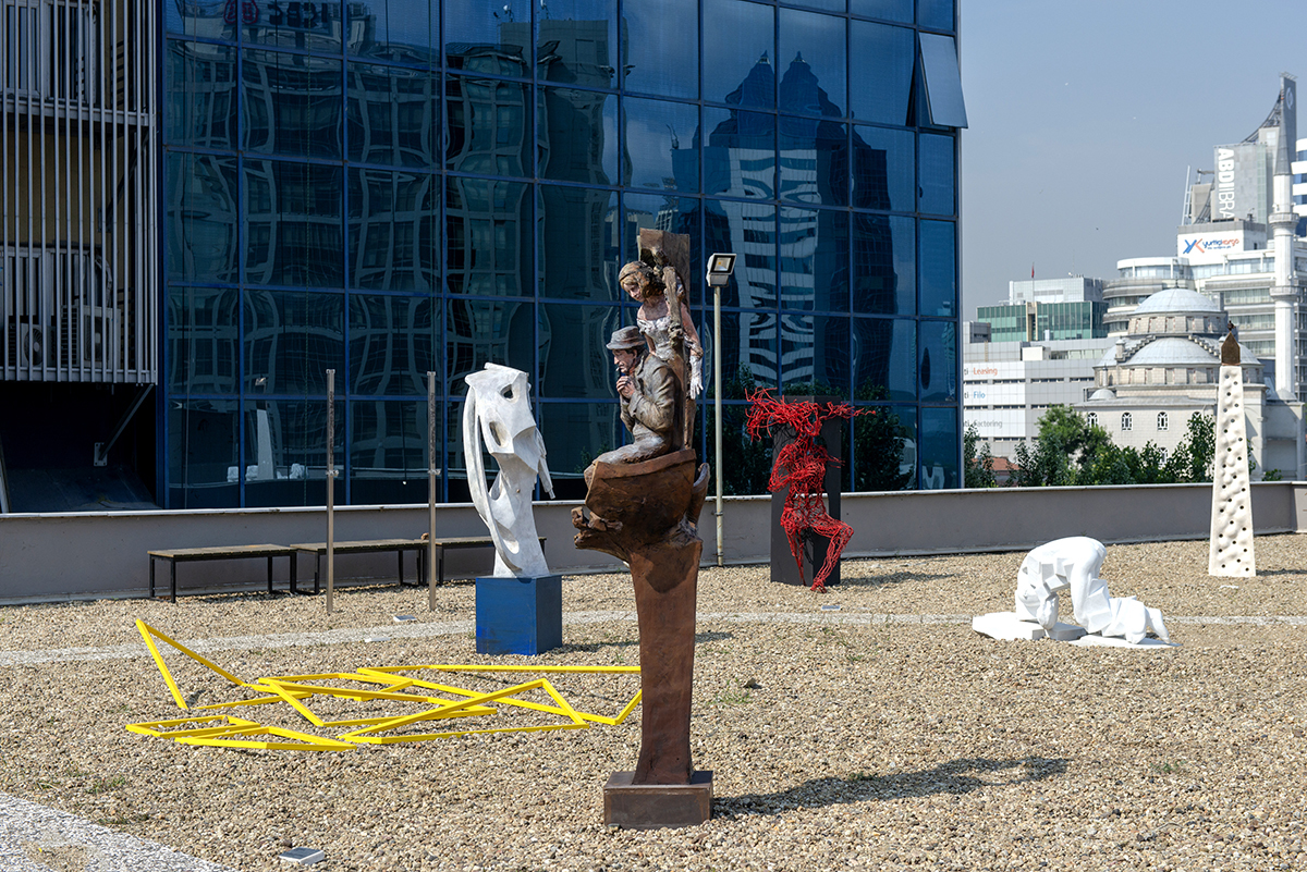 Nefes alan heykeller: 'Başka Bir Tepeden'
