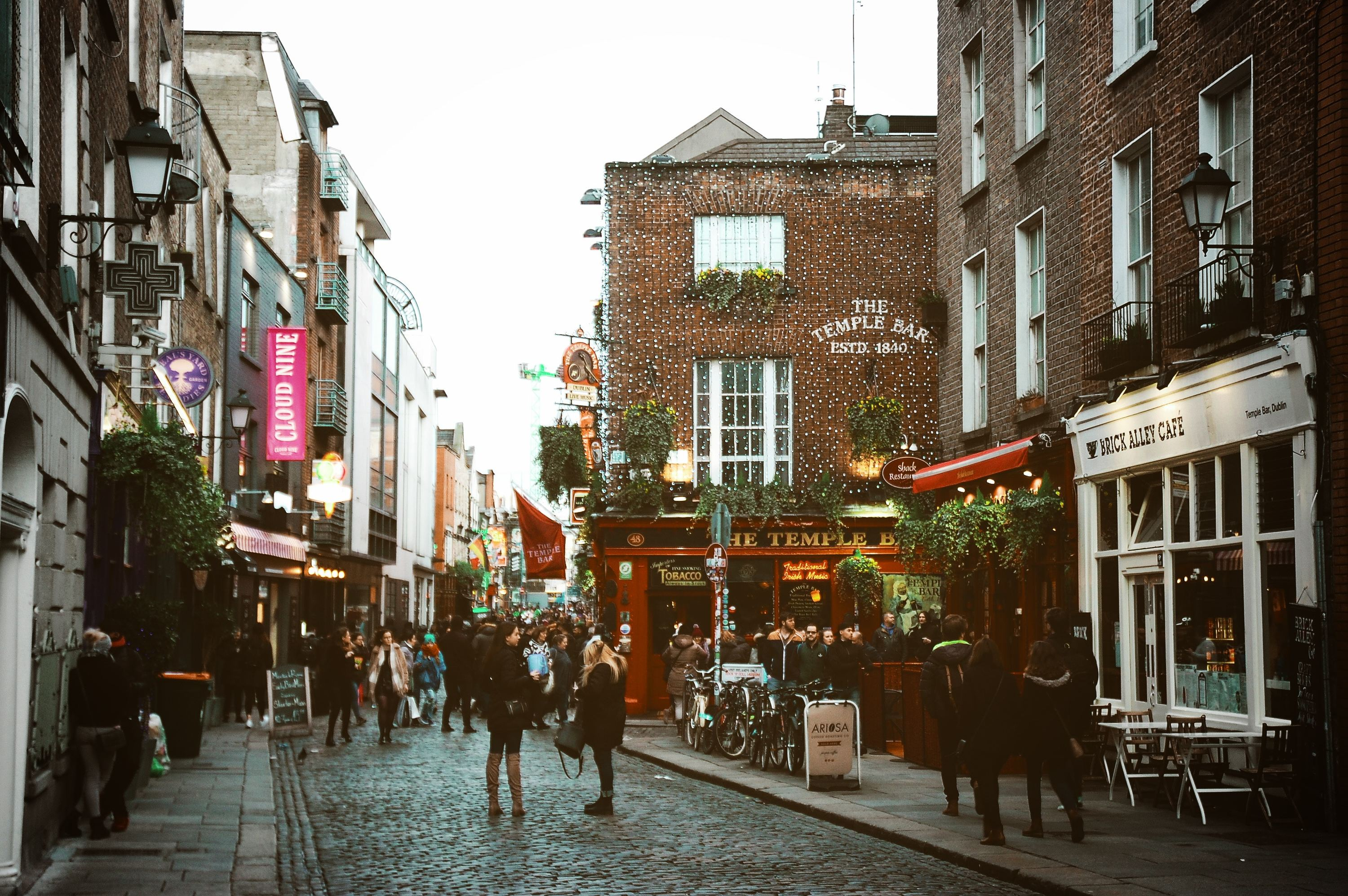 The 5 BEST GAY BARS in Dublin, Ranked