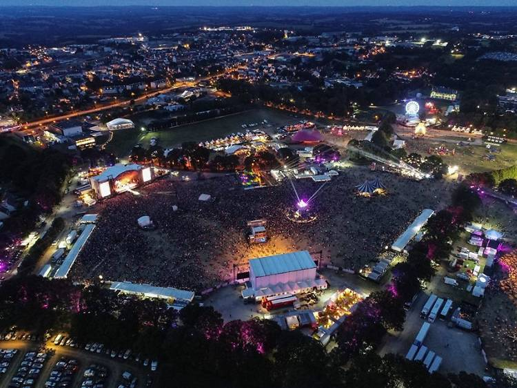 Go to Vieilles Charrues, the biggest festival in France