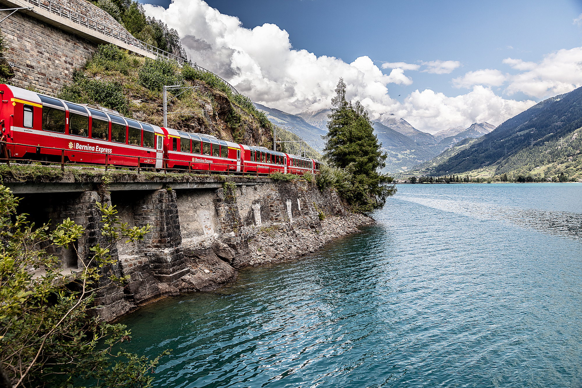 Travel unique: explore Switzerland like never before with incredible Rhaetian Railways experiences