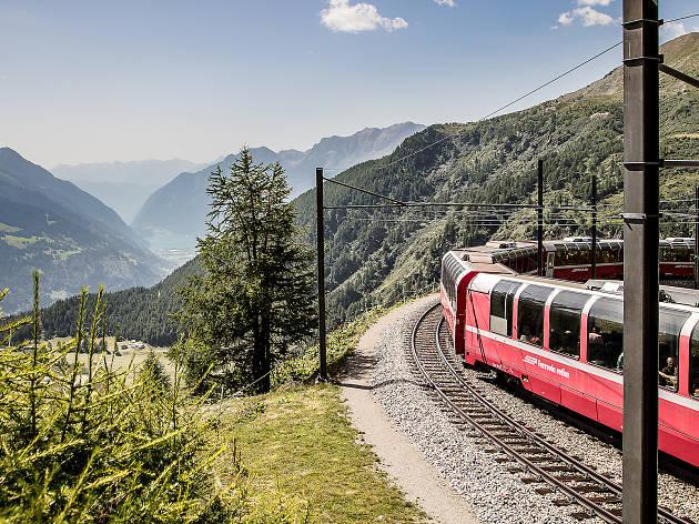 Eine Fahrt mit dem Bernina Express - von den Gletschern zu den Palmen