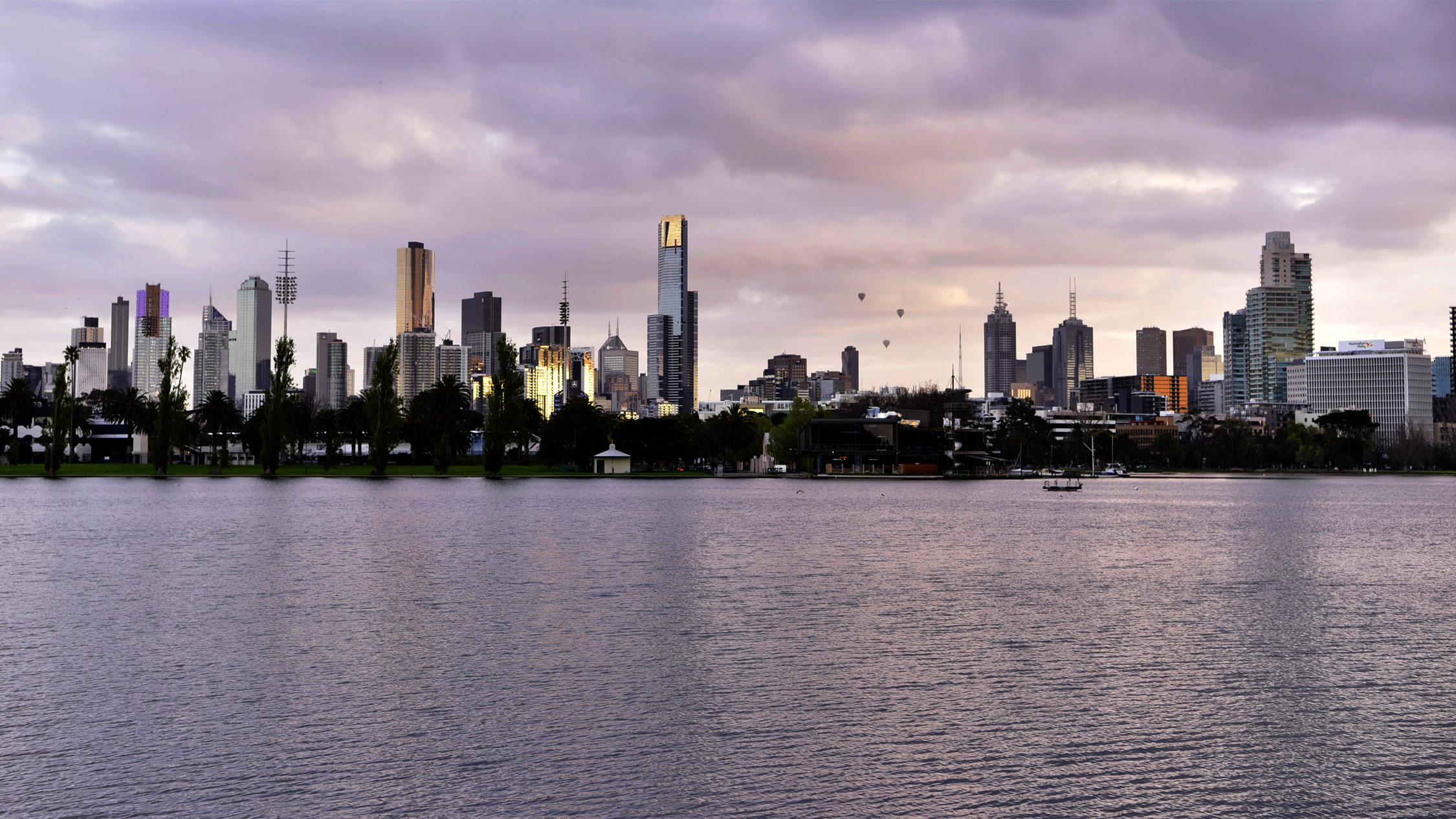 Albert Park Lake & Melbourne City Skyline