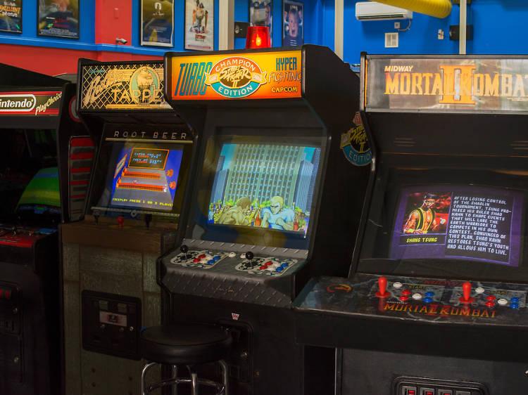 Play a vintage arcade game at Musée Mécanique