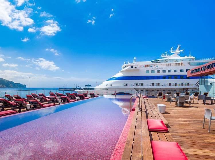 Os melhores hotéis com piscina do Funchal