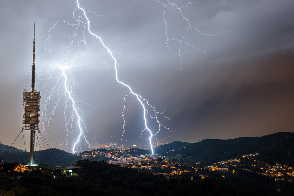 Les imatges més impactants que ha deixat la pluja d'aquesta nit