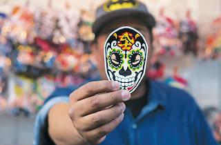 Dr. Rabias, uno de los diseñadores más famosos de la lucha libre de la CDMX