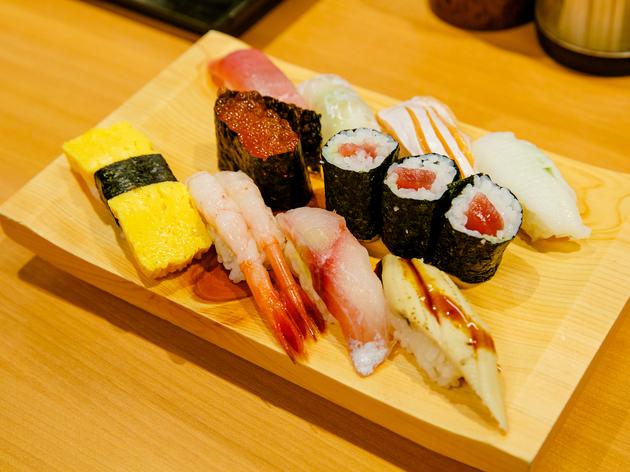 東京、立ち食い寿司10選