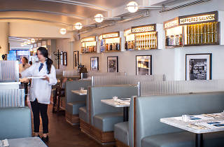 RUSS & DAUGHTERS CAFE interior