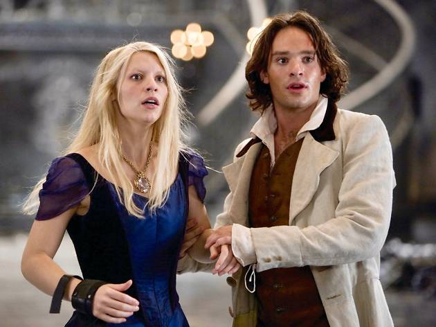 Claire Danes and Charlie Cox in Stardust