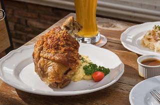 Alexander's German Eatery 07