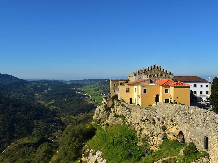 Pátio do Pessegueiro da Pousada do Castelo de Palmela