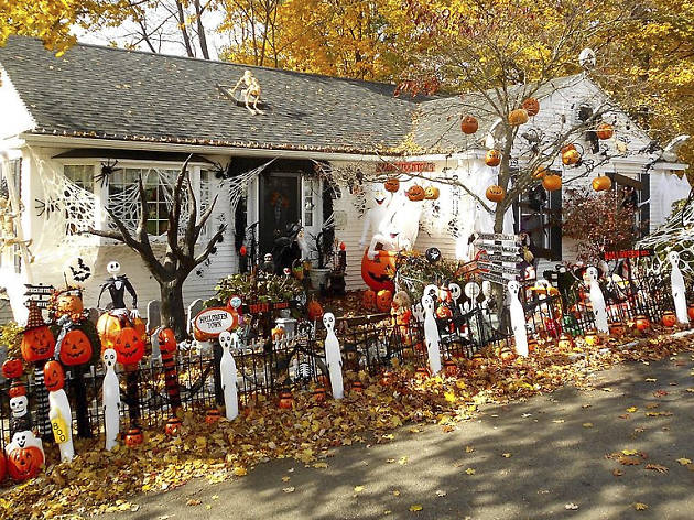 Halloween house in Weatherly, PA, Wikipedia 2016