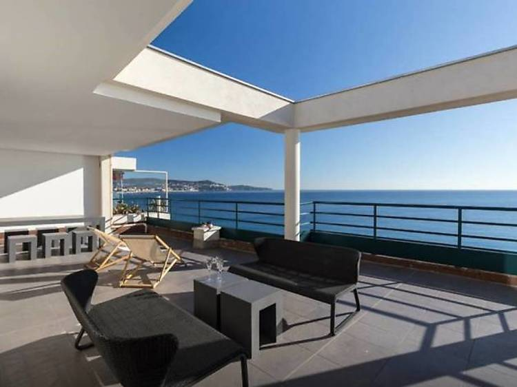 A cosy space with panoramic views