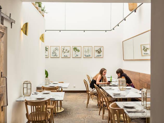 Sumaya: é uma mesa libanesa, com certeza