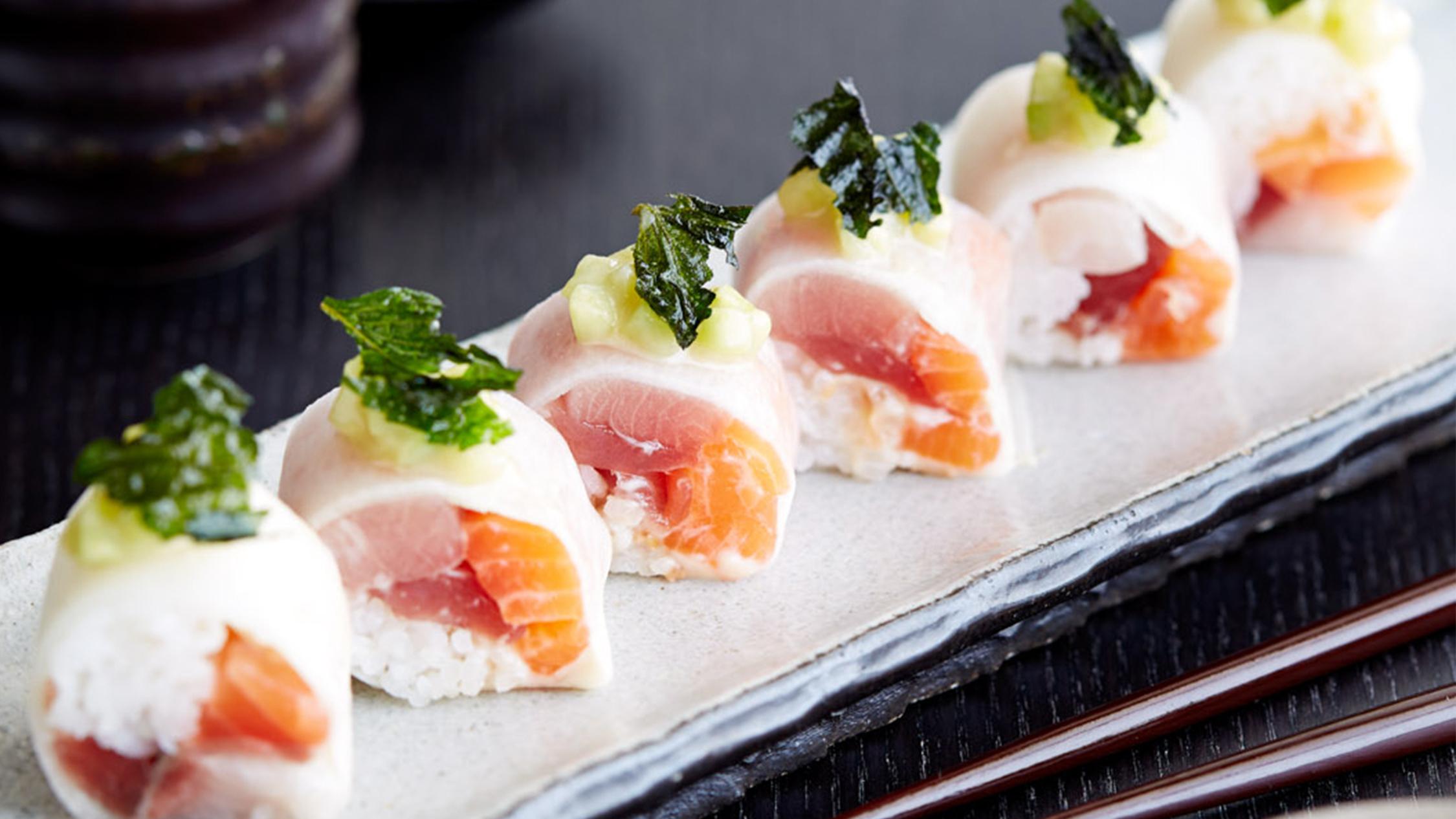 Chirashi sushi maki roll