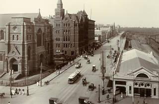 Old photos of Melbourne, flinders street (cropped)
