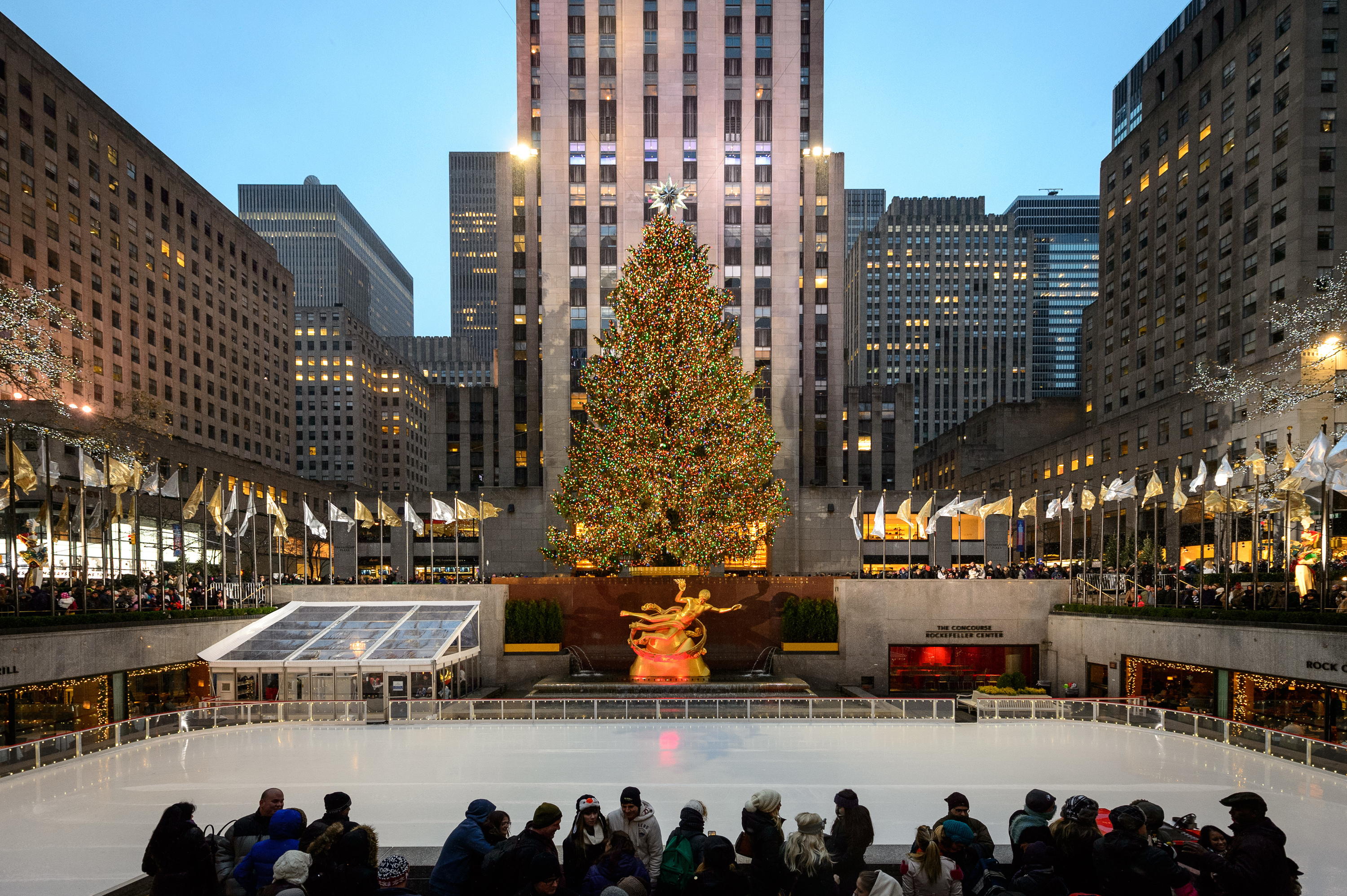 Geroma Weihnachtsbaum.The Rink At Rockefeller Center Things To Do In Midtown West New