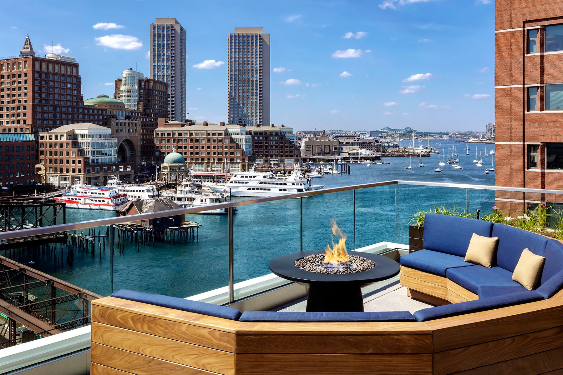 13 Best Rooftop Bars In Boston For Great Views And Breezes