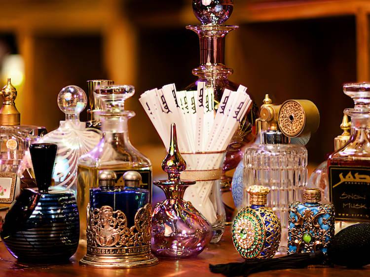 Create a unique scent at SIFR Aromatics