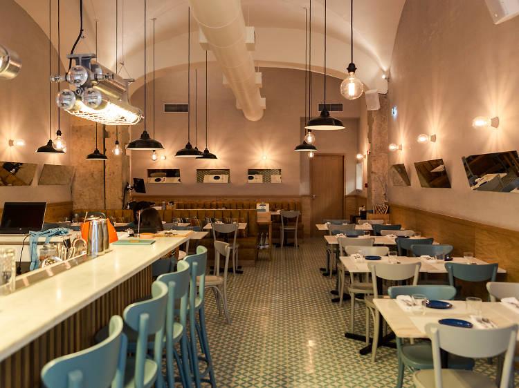 Os melhores restaurantes no Cais do Sodré