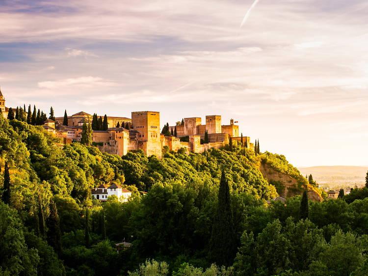 Admira la impresionante Alhambra en Granada