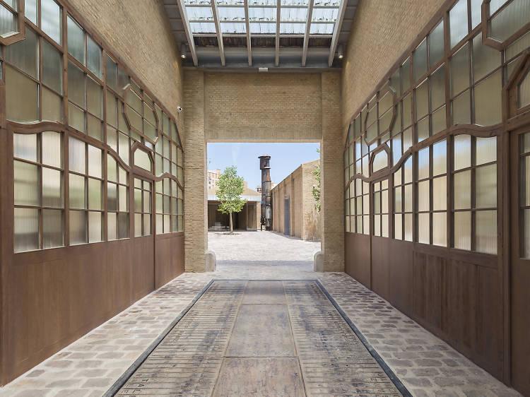 Visita Bombas Gens, el centro de arte más vibrante de Valencia