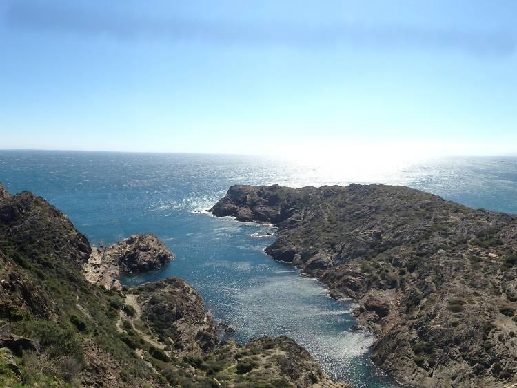 Haz senderismo entre Cadaqués y el cabo de Creus