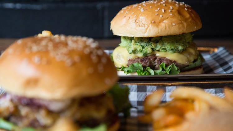 restaurante, hamburguesas artesanales, portales, a la parrilla