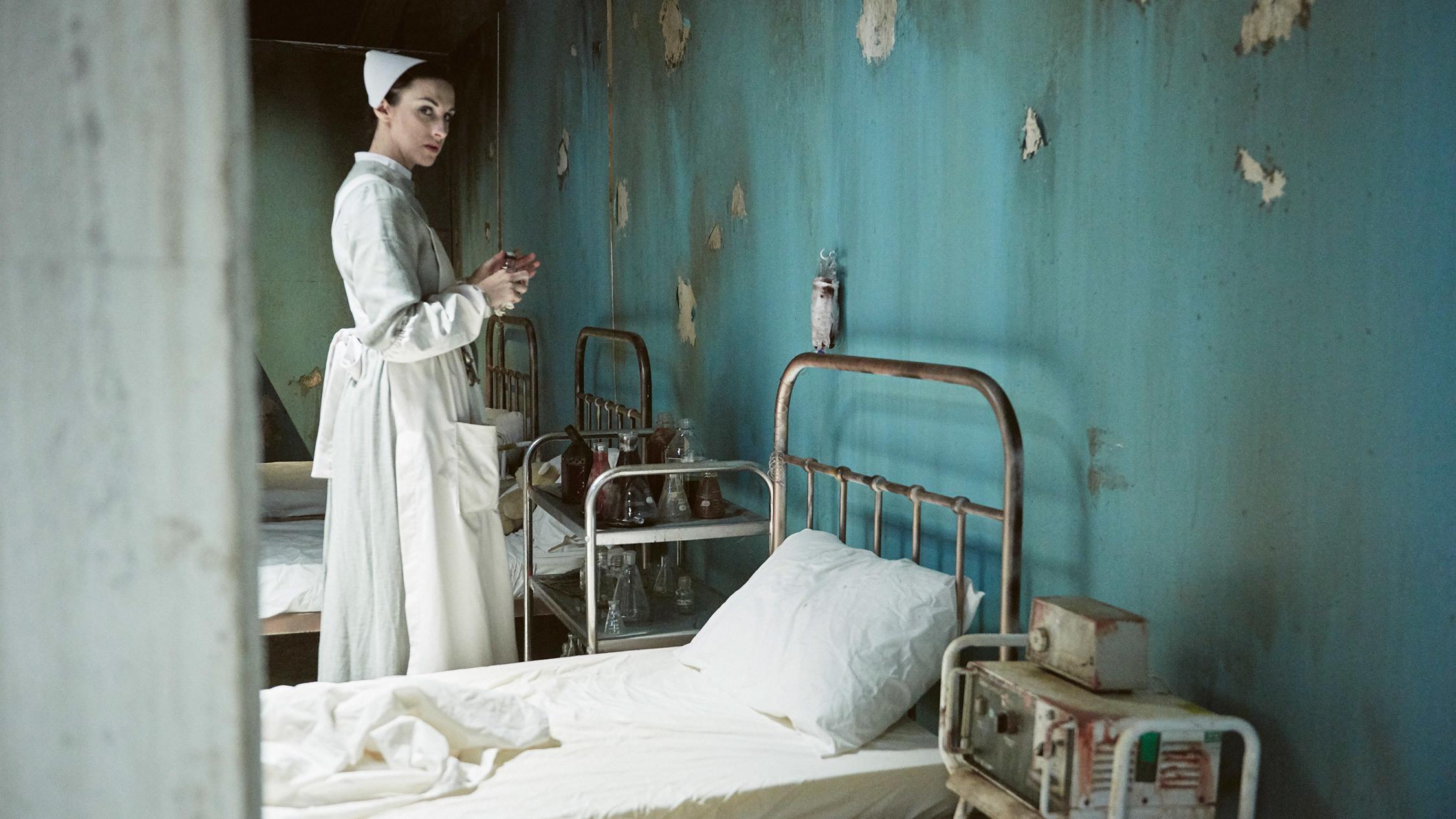 Hannah Raven as Ligeia at A Midnight Visit