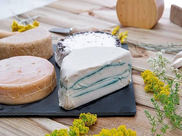 Taller de formatges vegans a Roc35