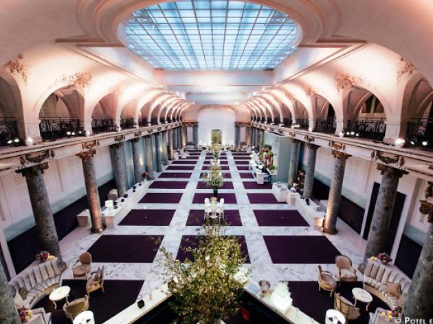 Un nouveau club éphémère ouvre dans une banque en plein cœur de Paris!
