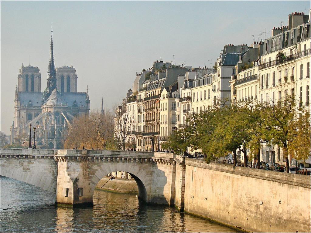 A Paris, sur les pas des femmes artistes et révolutionnaires