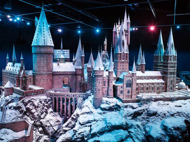 DO NOT REUSE. Hogwarts castle model in the snow for Warner Bros Studio Tour campaign.